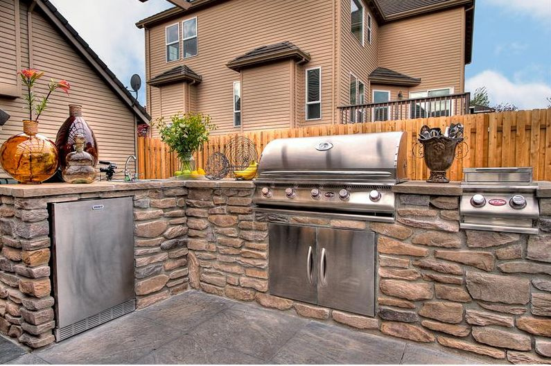 Planning A Budget For Your Outdoor Kitchen