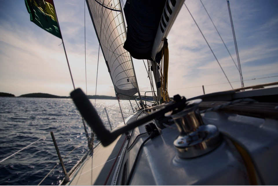 Considering Boating? 4 Boat Accessories to Kick Off a Great New Hobby